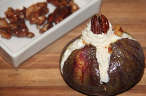 Figs with hung curd