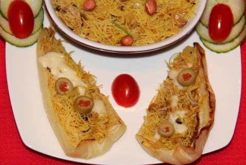 Vermicelli stuffed in Chillies