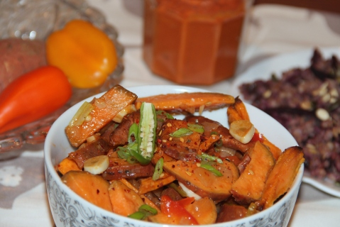 Sweet potatoes roasted in chilli sauce