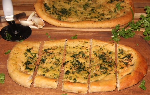 Garlic flat bread1