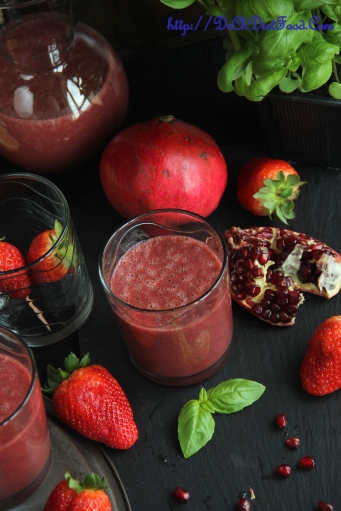 Pomegranate Strawberry Juice1
