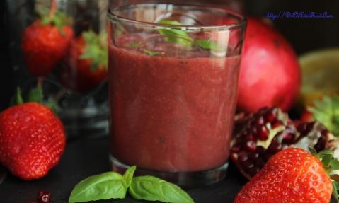 Pomegranate Strawberry Juice2